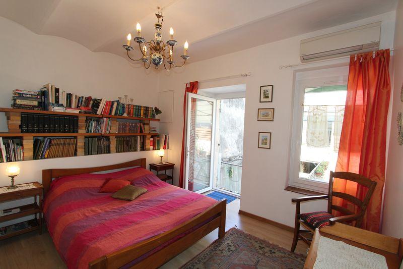 La chambre biblioth que les citronniers chambres d 39 h tes marseille - Chambres d hotes marseille ...